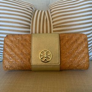 Auth Tory Burch rattan clutch
